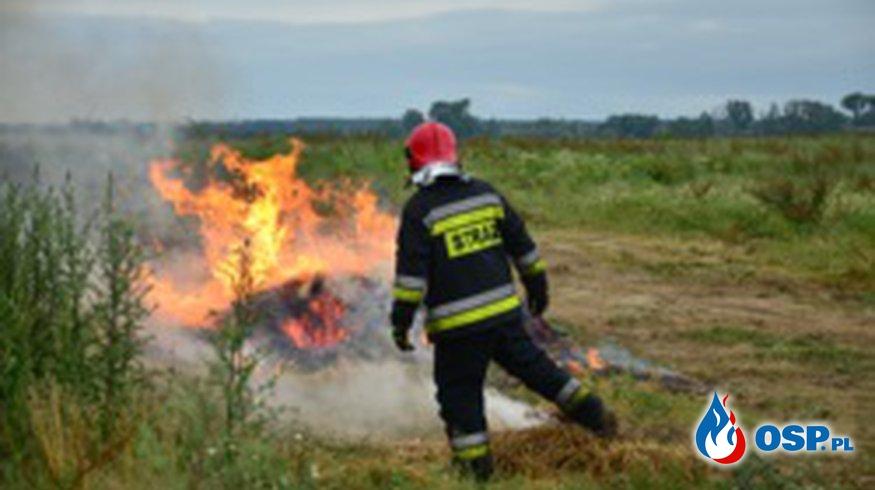 Pożar słomy w Ostrowitem OSP Ochotnicza Straż Pożarna