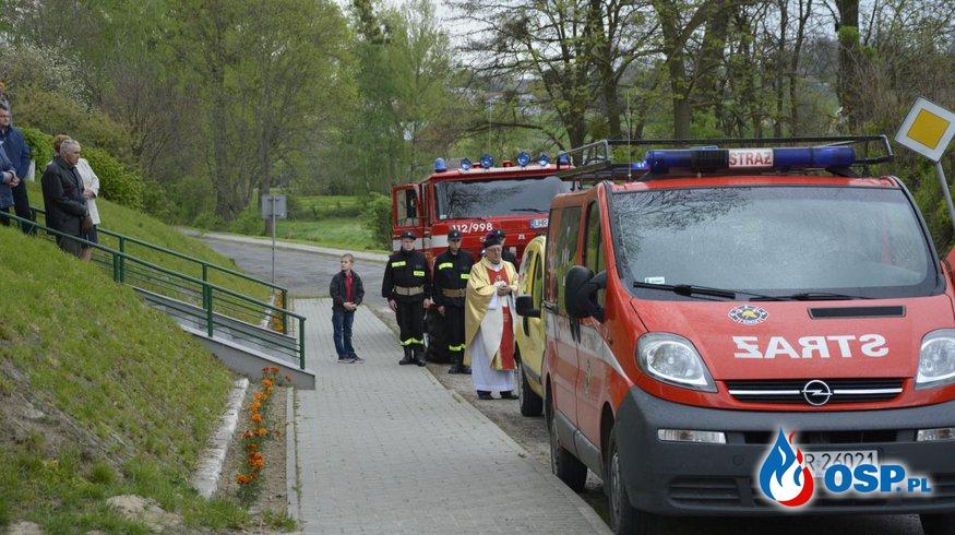 Służba przy Peregrynacji Krzyża Papieskiego w Szpikołosach OSP Ochotnicza Straż Pożarna