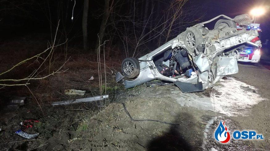 Dwóch strażaków OSP zginęło w nocnym wypadku drogowym. OSP Ochotnicza Straż Pożarna