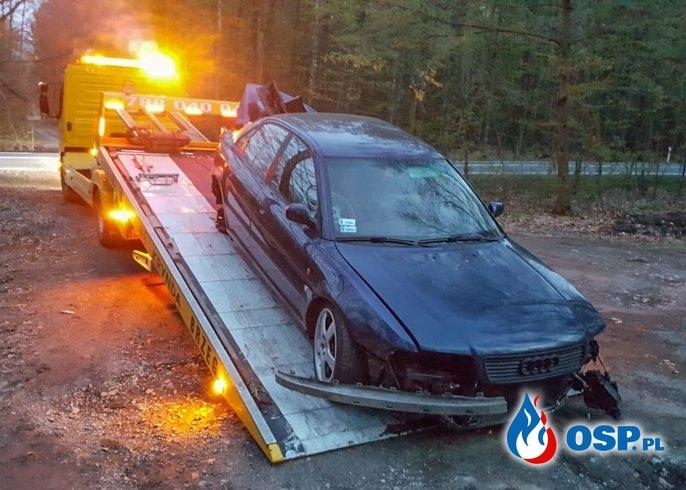 Dachował podczas wyprzedzania. Kierowca prowadził bez prawa jazdy. OSP Ochotnicza Straż Pożarna