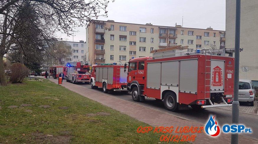 Zadymienie w budynku wielorodzinnym OSP Ochotnicza Straż Pożarna