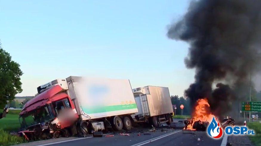 3 osoby zginęły w pożarze samochodu na DK nr 8 w Suchowoli. OSP Ochotnicza Straż Pożarna