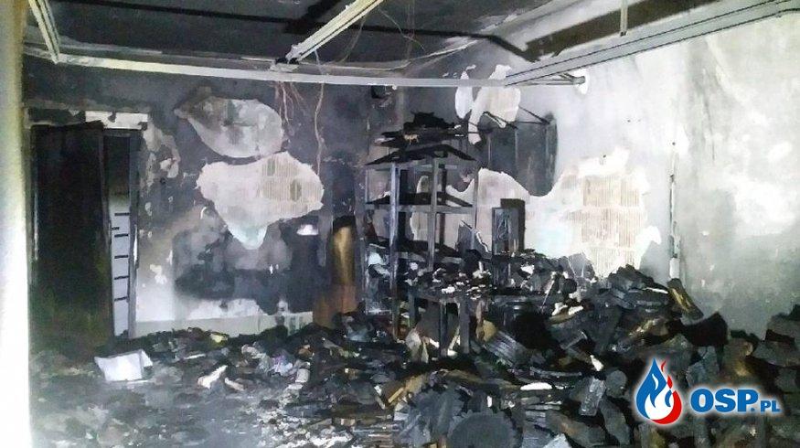 Groźny pożar domu. Strażacy uratowali nieprzytomnego mężczyznę. OSP Ochotnicza Straż Pożarna