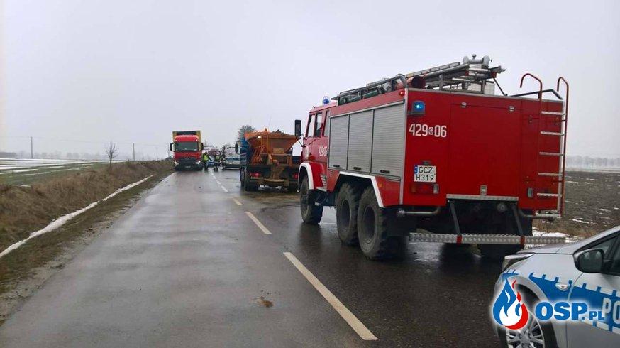 Wypadek drogowy. Strzeczona-Debrzno OSP Ochotnicza Straż Pożarna