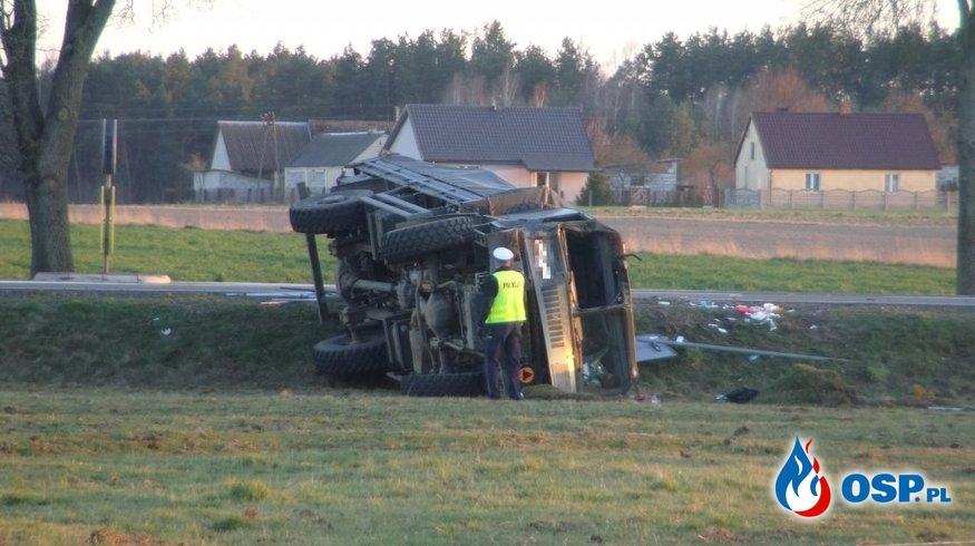 Wypadek wojskowej ciężarówki. Kilkunastu rannych żołnierzy, część ciężko. OSP Ochotnicza Straż Pożarna
