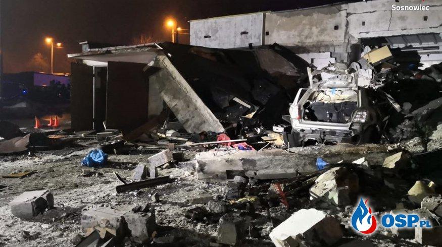 Potężna eksplozja gazu w Sosnowcu zniszczyła garaże oraz samochody. Ewakuowano blisko 400 mieszkańców. OSP Ochotnicza Straż Pożarna