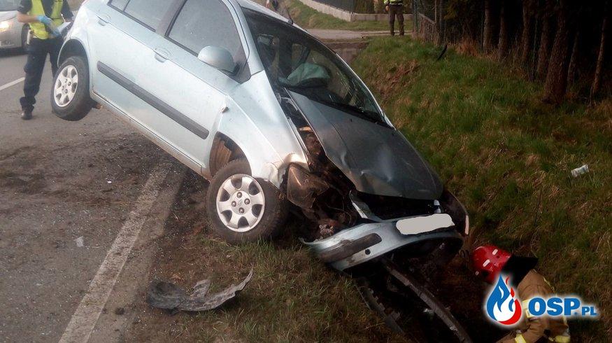 Wypadek samochodu osobowego na DW 955 - 1 kwietnia 2021r. OSP Ochotnicza Straż Pożarna