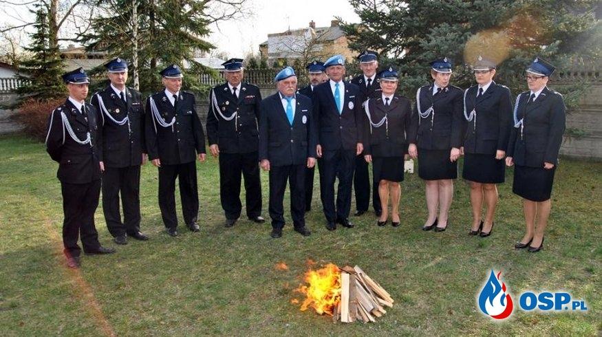 Utrzymanie Wieloletniej Tradycji - Strażacka warta przy Grobie Pańskim. OSP Ochotnicza Straż Pożarna