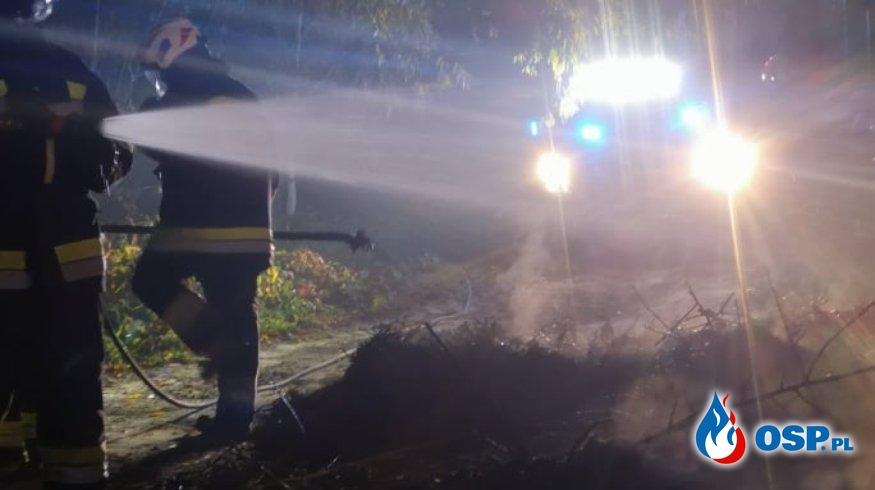 Działki ogrodowe w dymie OSP Ochotnicza Straż Pożarna
