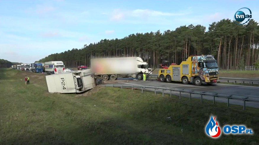Wypadek ciężarówki na autostradzie A2 w Rogozińcu. OSP Ochotnicza Straż Pożarna