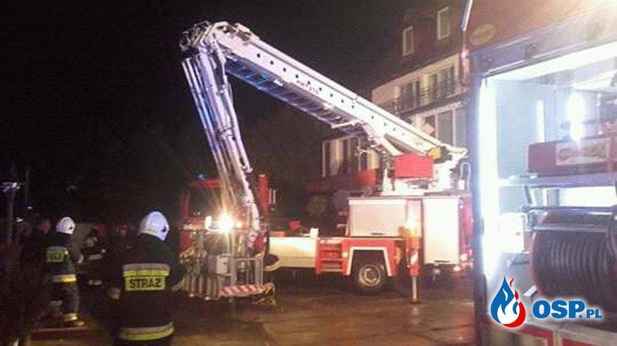 Pożar ośrodka wypoczynkowego w Polańczyku - 7 zastępów w akcji OSP Ochotnicza Straż Pożarna